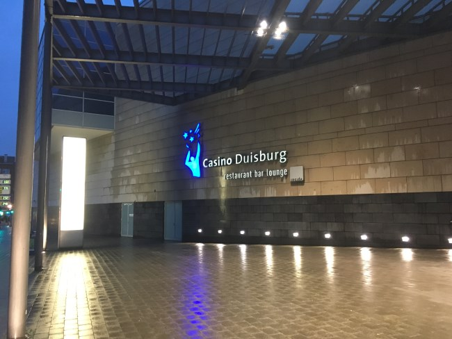casino duisburg poker dealer