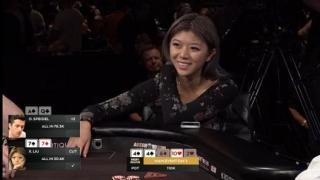Xuan Liu sitzt am Feature Table