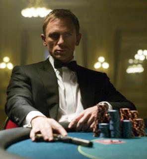 CasinoRoyale Craig am Pokertisch