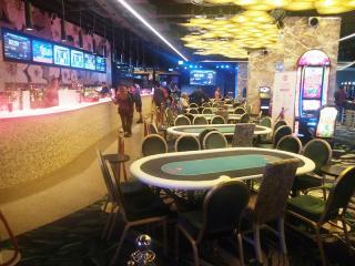 Bar und Pokerbereich Casino Malta