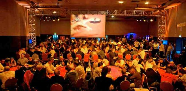 6 Ways 2 Poker (4/7): Poker-Clubs