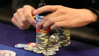 zitternde Poker-Hände