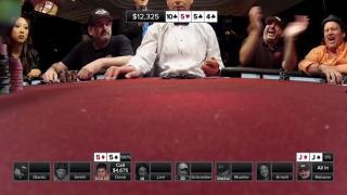 Der Moment als Shaun Deeb seine Karten umdreht und Quads zeigt.