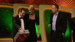 Elton und Sonja Zietlow sind zwei der Gäste der heutigen TV Total Pokernacht