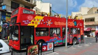 malta sightseeing bus