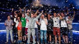 Andre Lettau jubelt nach seinem Sieg bei der EPT Barcelona