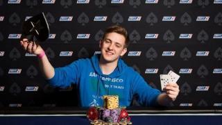 Der junge Deutsche Moritz Dietrich ist bei der EPT Malta in den Top Ten