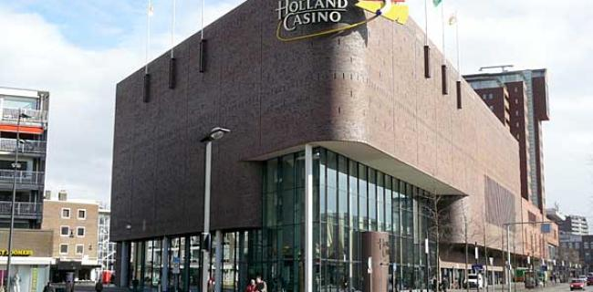 Poker in Enschede, nicht empfehlenswert, … but it's the only game in Town