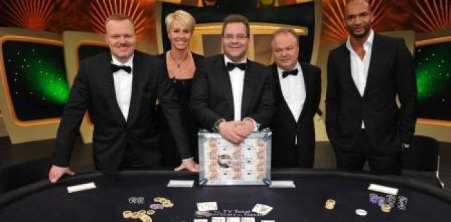 """Warmer Regen! Warum darf """"Elton"""" bei der TV Total Pokernacht 680.000 Euro kassieren?"""