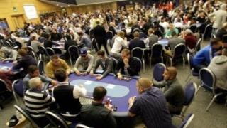 Volles Haus beim Echtgeld Poker