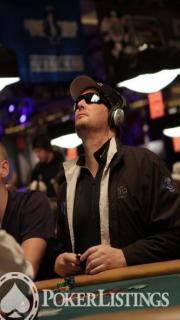 phil hellmuth looking up